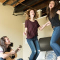 女性の平均的な音域|低・中・高別でおすすめのカラオケアーティストは